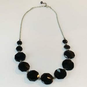Jewelry - 💐5/25 quality glass black faceted beads statement